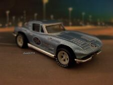 VIC EDELBROCK 1963 63 CHEVY CORVETTE ROAD RACER 1/64 SCALE COLLECTIBLE MODEL  R