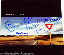 PEARL JAM HAND SIGNED AUTOGRAPHED YIELD ALBUM BY ALL 5! RARE! W/PROOF +C.O.A.