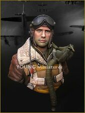 Young Miniatures B-17 Waist Gunner ETO 1944 USAF YM1815 Bust Unpainted Kit