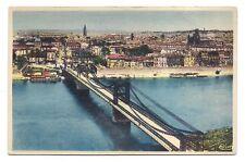 toulouse ,vue générale ,au premier plan ,le pont suspendu sur la garonne