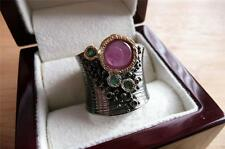 925 argento Sterling Pinky Rosso Ruby & Green Emerald RHODIUM GOLD BAND RING SZ P 8