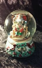 "HANDCRAFTED HERITAGE HOUSE MUSICAL SNOW GLOBE ""SANTA CLAUS IS COMING TO TOWN"""