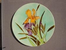 Plat barbotine à decor de fleurs pensée Longchamp terre de fer vers 1910