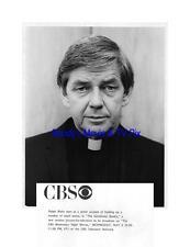 RALPH WAITE Terrific Original TV Photo as a Priest in THE GENTLEMAN BANDIT