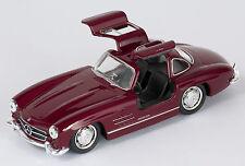 BLITZ VERSAND Mercedes 300 SL bordeaux Welly Modell Auto 1:34 NEU & OVP
