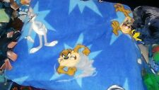 Fleece fabric no sew blanket - Looney Tunes Characters