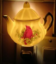 Cardinal Teapot Night Light Christmas Holly Berries Porcelain Accent Lamp Vtg EU