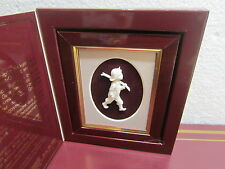 "Vintage Royal Hampshire 3d Cameo - ""GOING FISHING"""