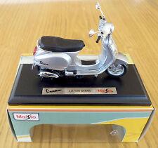 Maisto vespa scooter modèle 1:18 moulé sous pression scooter, vespa lx 125 modèle