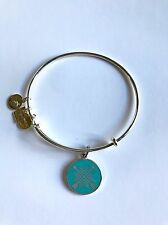 LOVELY ALEX AND ANI SILVER TONE ARROWS of FRIENDSHIP BANGLE BRACELET