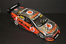 CRAIG LOWNDES HAND SIGNED V8 1:18  2010 HOLDEN  VE COMMODORE + PHOTO PROOF & COA