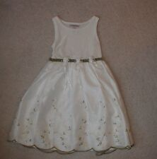 Girls size 6 white Dress children outfit clothing clean nice smoke free