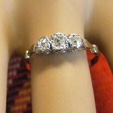 18 ct GOLD second hand three stone diamond ring