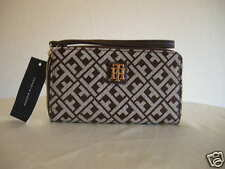Authentic Tommy Hilfiger Carryall Women's Wallet Brown