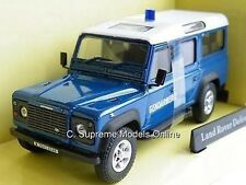 Land Rover Defender police gendarmerie 1 / 43e modèle LWB bleu question k9687q (=)