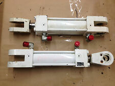 Pair of Hydraulic Stabilizer Rams made by Rexroth