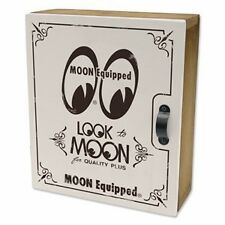 MOONEYES CAR KEY BOX  WOOD BOXED HOT ROD NHRA MOON EQUIPPED  WHITE