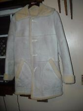 "Genuine ""Lakeland"" Sheepskin Coat Men's Size 40 in Very Good Condition"
