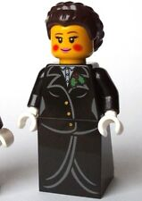 LEGO® new Winter Village Christmas Caroler minifigure (female carol singer girl)