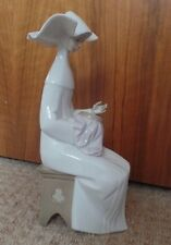 LLADRO - TIME TO SEW ( WHITE ) - WHITE NUN - 5501 - EXCELLENT