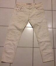 AUTHENTIQUE JEAN BOY FRIEND ZARA BLANC CASSÉ DESTROY AVEC RIVETS DORÉS T.38