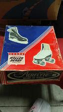 VINTAGE AERFLYTE DELUXE ICE SKATE IN ORIGINAL BOX !!!!  UNUSED ???