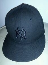 New Era  MLB New York Yankees  Black logo Black Fitted  closure cap hat
