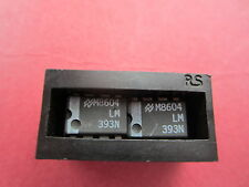 2x (2pcs) Genuine National Semiconductor LM393N Dual Comparator 8 pin DIP