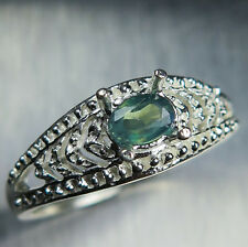 0.40ct Natural Russian colour change Alexandrite 9ct 375 white gold unisex ring