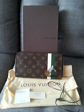 AUTHENTIC LOUIS VUITTON GROOM ILLUSTRE ZIPPY ORGANIZER MONOGRAM NEVER USED