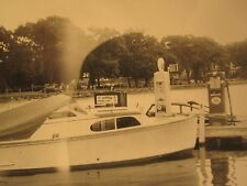 ANTIQUE VINTAGE BOAT MARINA GAS STATION SKY CHIEF TEXACO PUMP GLOBE PETROL PHOTO