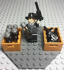 Lego New Gangster Mob Al Capone Mini Figure Tommy Guns,alcohol Bottles Display
