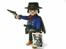 Playmobil ~ 3798 Bounty Hunter man w/ correct Hat Cape Gun Belt Wanted Sign ~B2B