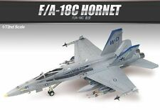 Academy 1/72 F/A-18C HORNET US NAVY/MC Ver. w/ Aircraft Plastic Model Kit 12411