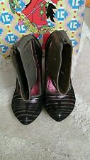 IRREGULAR CHOICE WILD RIDE STRIPES SHOES SIZE 37