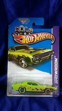 Hot Wheels '71 Plymouth Road Runner Green 2013 HW Showroom Diecast Free Shipping