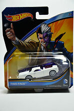 Hot Wheels Dc Universe 2015  Two-Face Collectible Die Cast Car