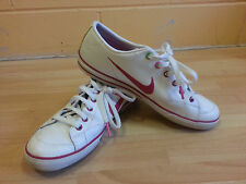 Girls Nike Trainers Plimsoles VGC Size 4 white & Pink Chk photos TOTALLY CLEAN