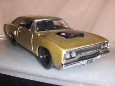 Toy Jada Dub 1:24 Champagne 1970 Plymouth Road Runner Hot Rod diecast car