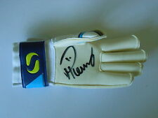 PADDY KENNY HAND SIGNED GOALKEEPER GLOVE LEEDS UNITED, QPR 1.
