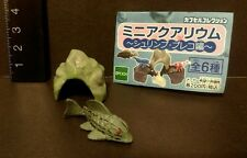 Epoch (Like Kaiyodo ) Aquarium Pleco Fish and Cave Mini PVC  Figure A