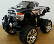 Monster truck off road stunt wheelies rechargeable radio voiture télécommandé 1:18