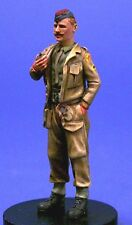 Resicast 1/35 British Tank Officer at Ease Smoking Pipe WWII 355578