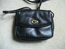 BLACK LEATHER SUZY SMITH SHOULDER BAG