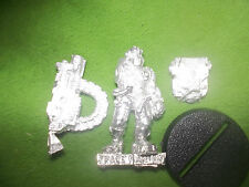 WARHAMMER40K  SPACE MARINE  SERVITOR  WITH HEAVY BOLTER MINT LOT W