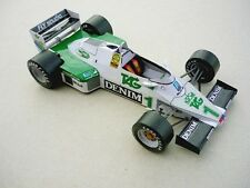 Modelik 01/12 -  Formel 1  Williams FW08C   (1983)       1:25