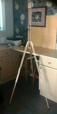 Winsor & Newton easel. Excellent condition.
