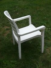 GROSSIFLEX COMMERCIAL RESIN CHAIR WHITE