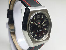 VINTAGE SEIKO 17 J AUTOMATIC DAY-DATE JAPAN MADE MENS ANALOG DIAL WRIST WATCH.