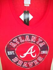 ATLANTA BRAVES LADY MEDIUM (M) RED V-NECK FASHION SHIRT W/ METALLIC-LIKE DESIGN